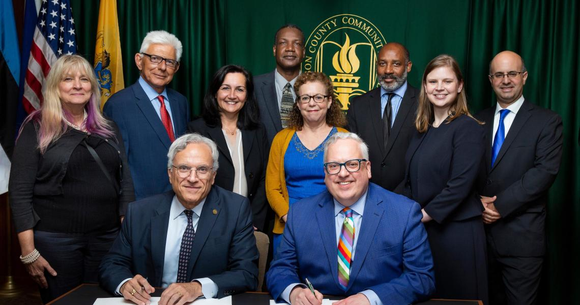 NJIT and HCC articulation agreement signing