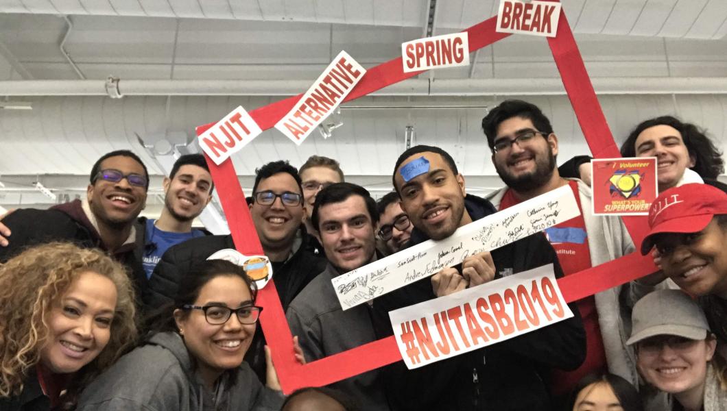 NJIT students participating in Alternative Spring Break 2019