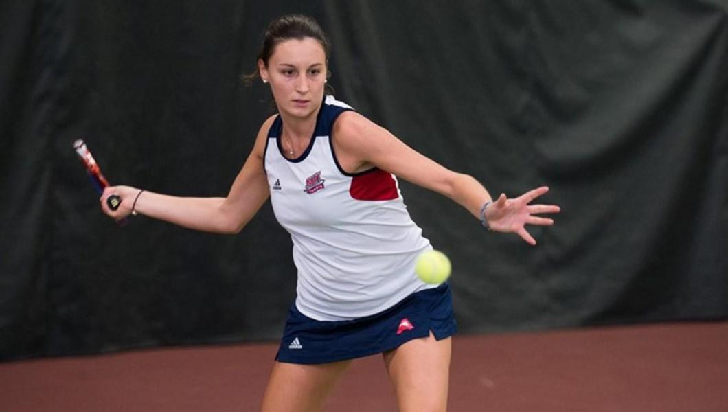 Nathalie Habegger continued her strong play by defeating Kennesaw State's Kennedy Craig in straight-sets, 6-4, 6-1, in the four spot.