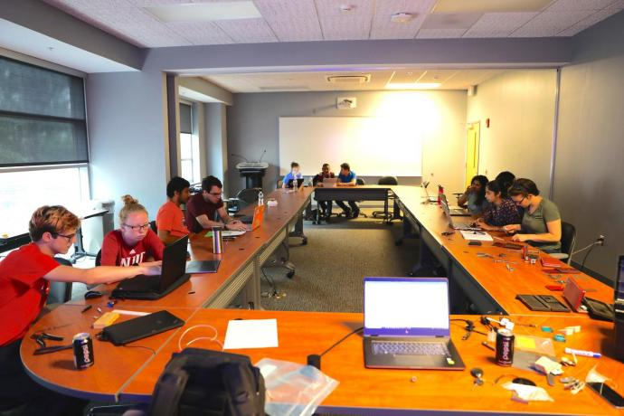 The Honors Summer Research Institute brings students together for weekly collaboration and feedback.