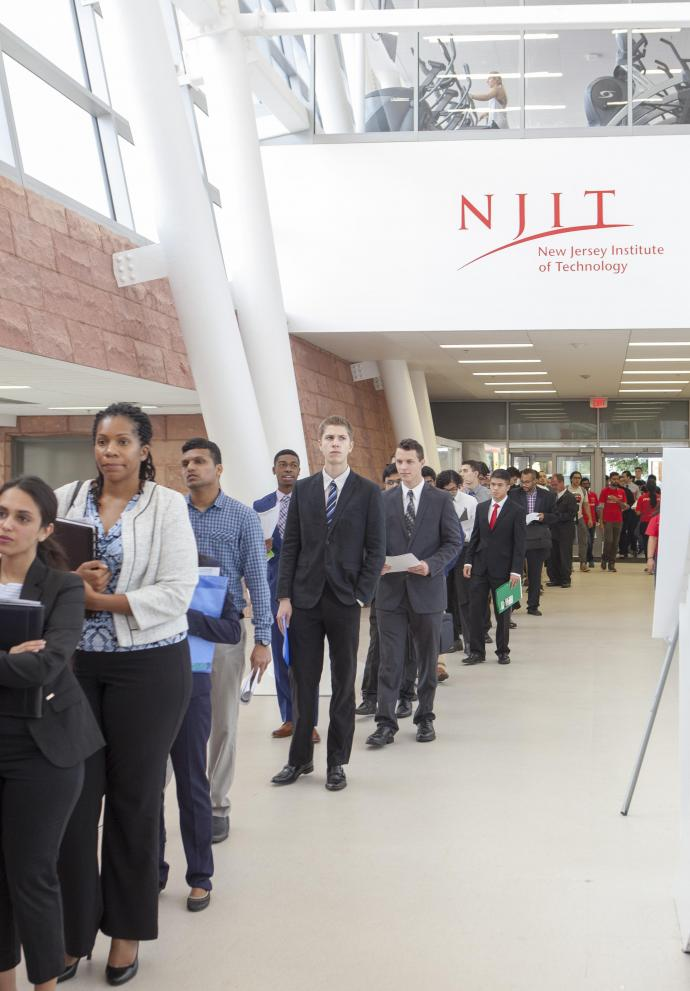 2018 Fall Career Fair at NJIT, students waiting on line