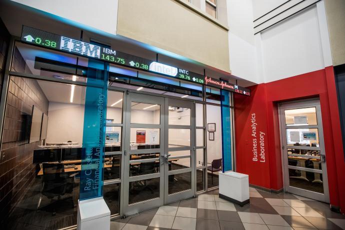 The IBM SPSS Predictive Analytics Modeler boot camp was held in MTSM's Business Analytics Lab.