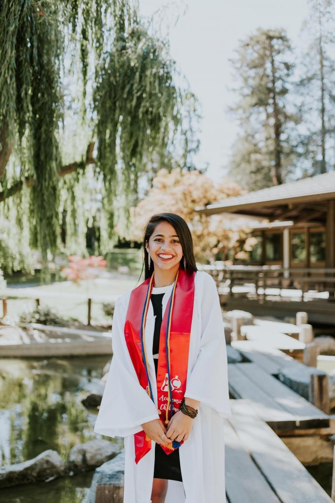 Honors student Anna Wadhwa
