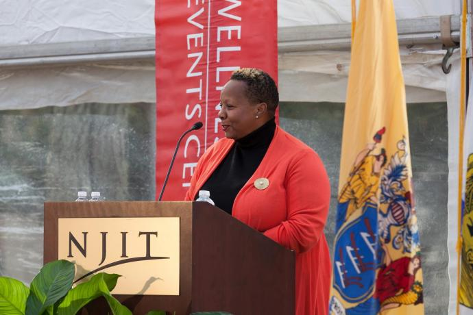 Marjorie A. Perry '05, president and chief executive officer of MZM Construction and Management and co-executive vice chair of the NJIT Board of Overseers, served as mistress of ceremonies.