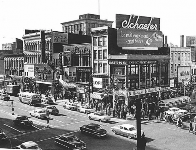 The intersection of Broad and Market Street in Newark in the late 1950s