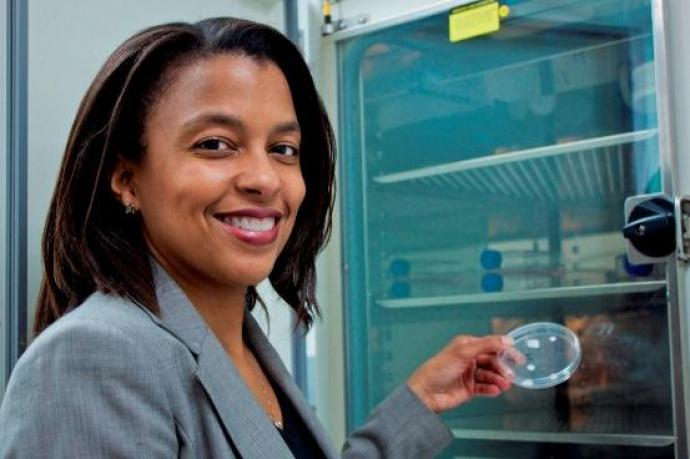 Treena Arinzeh in her lab